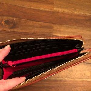 Dooney & Bourke Bags - Pebble Grain Zip Clutch
